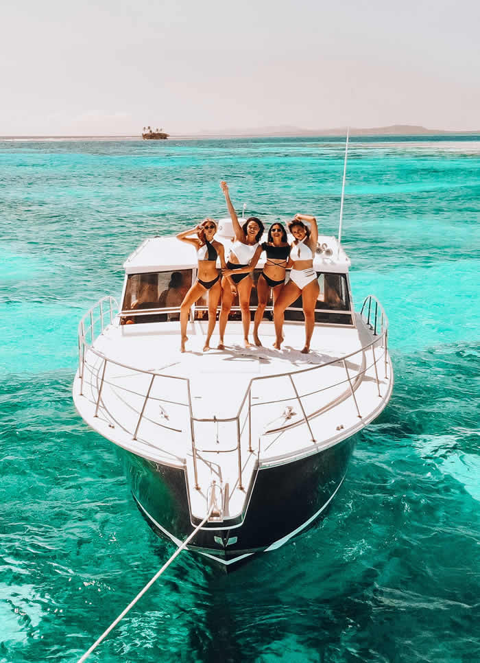 Alquiler Barcos y yates y Catamaranes Saona Punta Cana, Rent Boats and yachts and Catamarans Saona Punta Cana